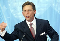 "Miscavige z operace ""Church of Scientology""."